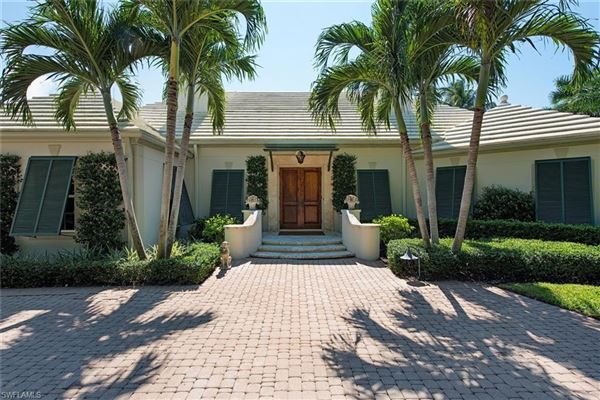 quintessential Port Royal lot with beautiful views luxury homes