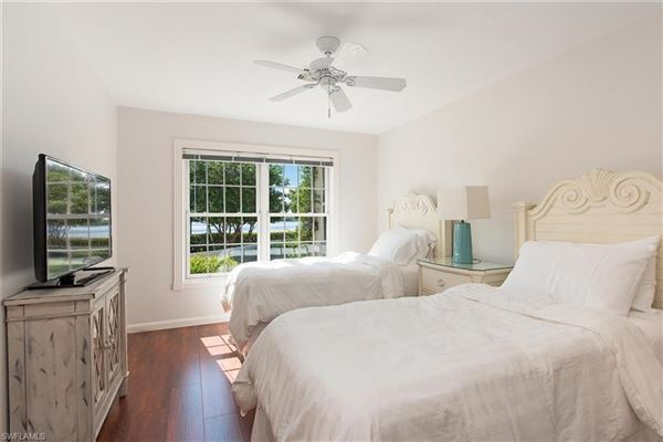 Mansions in quintessential Port Royal lot with beautiful views