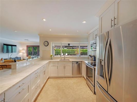 Luxury real estate an ideal location