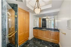 Luxury homes special unit at The world-class Windsor