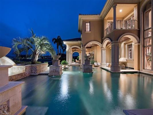 Luxury homes in iconic estate at Quail West