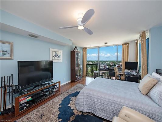 Luxury homes in Gulf and Bay View Condo