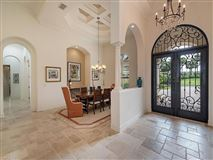 Mansions Exceptional details in this home