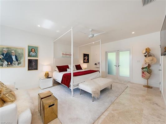Luxury homes extensively renovated modern showpiece