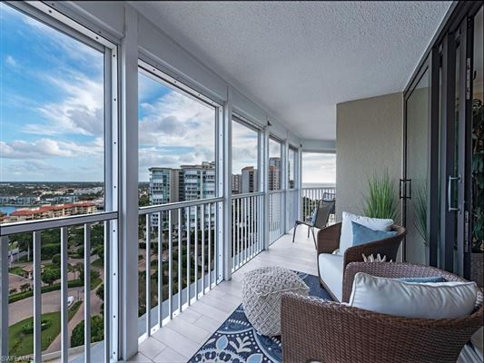 Completely renovated 17th floor condo luxury homes