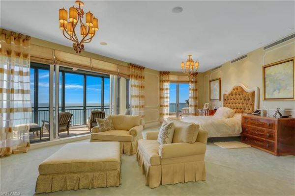 Luxury homes Seasons Penthouse mansion in the sky