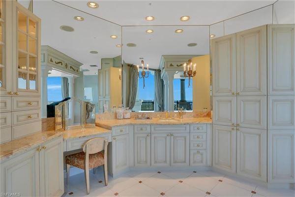Luxury properties Seasons Penthouse mansion in the sky