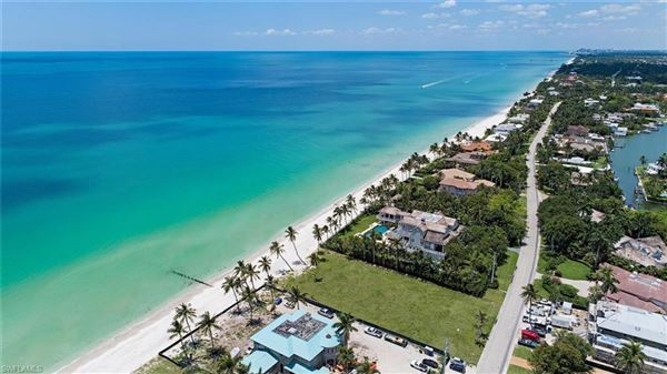 Luxury real estate rare lot on the gulf of mexico