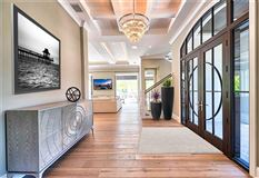 Luxury properties Remarkable new construction in ideal location