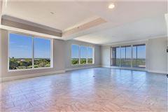 exquisite unit boasts spectacular panoramic views luxury homes