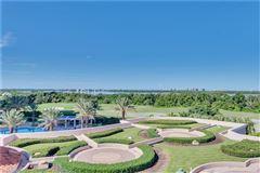 Mansions exquisite unit boasts spectacular panoramic views