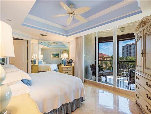 spacious three bedroom at the Remington luxury homes