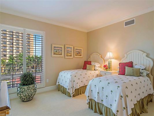 spacious three bedroom at the Remington luxury real estate