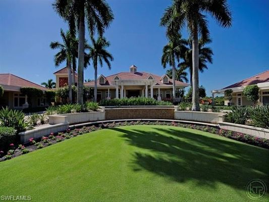 Luxury homes in sunset golf home