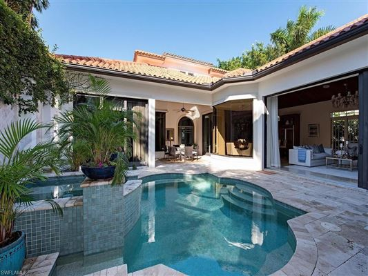 Mansions in Stunning custom built courtyard home