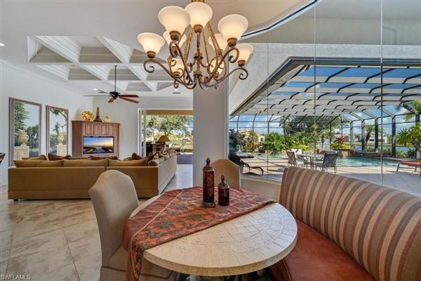 Luxury homes in Harbourside built custom home