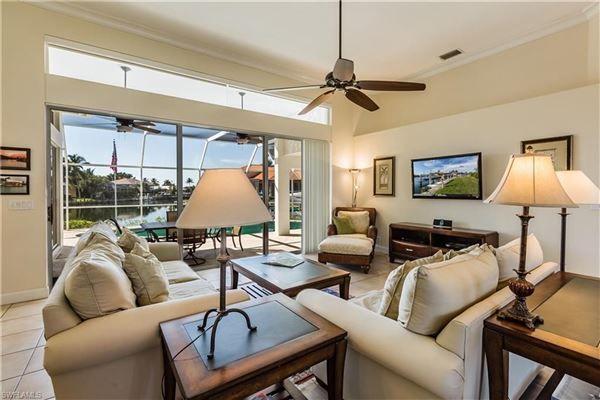 Gorgeous and well-maintained waterfront home luxury properties