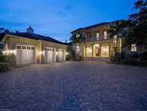Mansions in Bermuda style home situated on Jamaica Channel