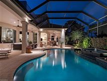 Relaxed luxury home mansions