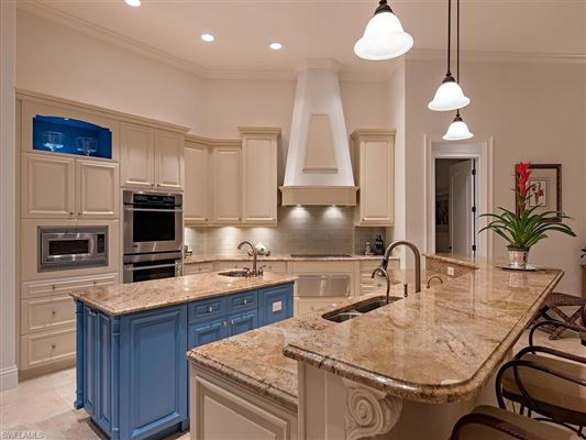 Luxury homes in Relaxed luxury home