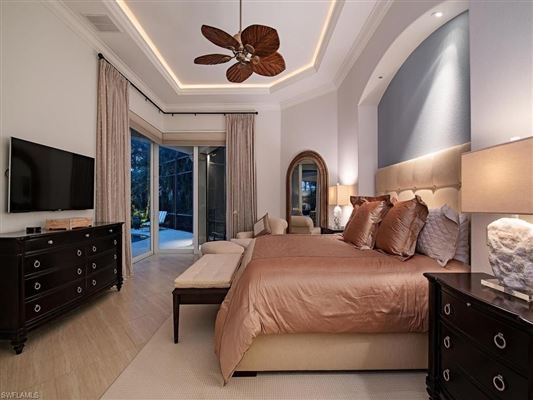 Relaxed luxury home luxury homes
