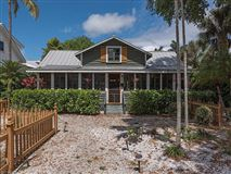 Luxury homes in HISTORICAL OLDE NAPLES HOME