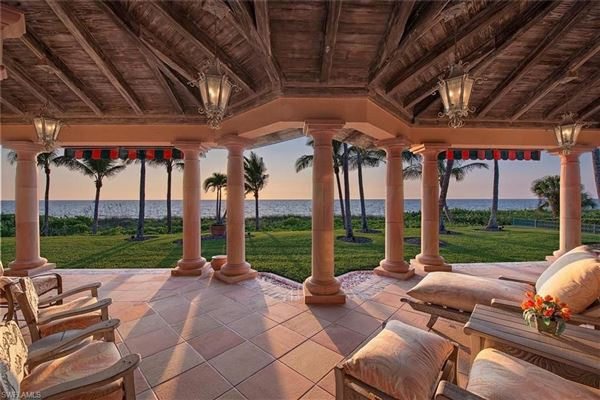 Luxury properties Unparalleled Beachfront Grounds on Luxurious Estate