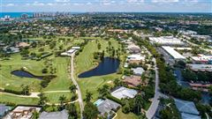 Mansions in a prime location on the Moorings Country Club