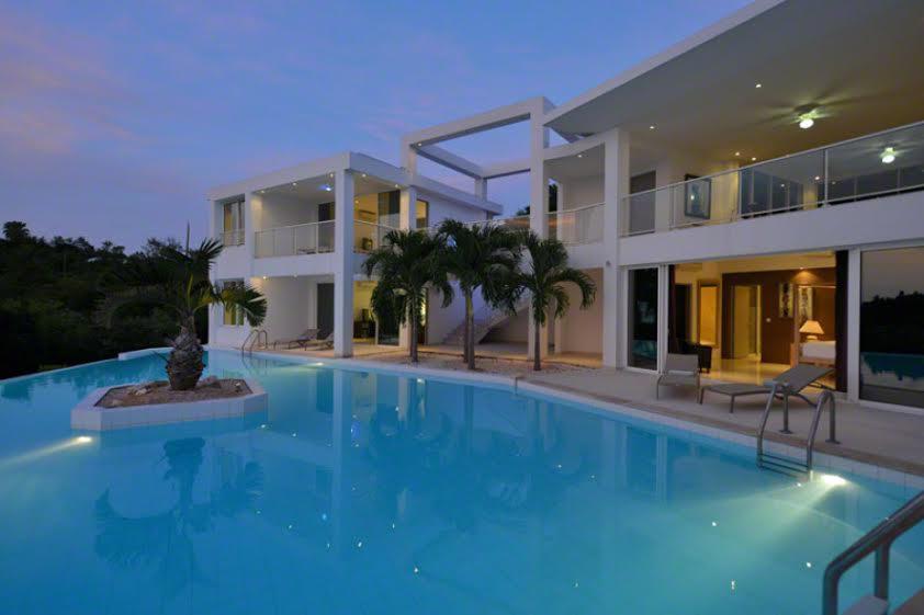 Grand Bleu luxury real estate