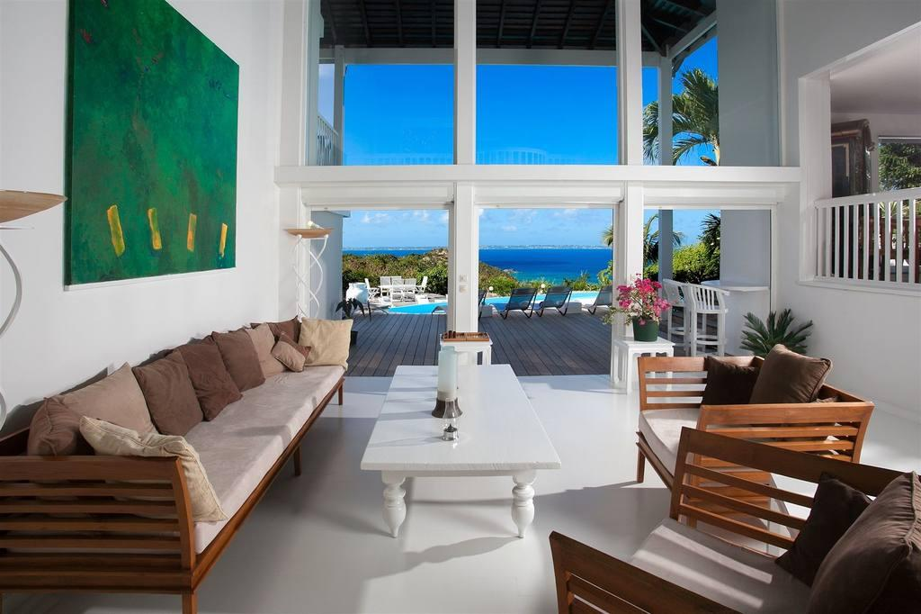 Luxury real estate Caye Blanche