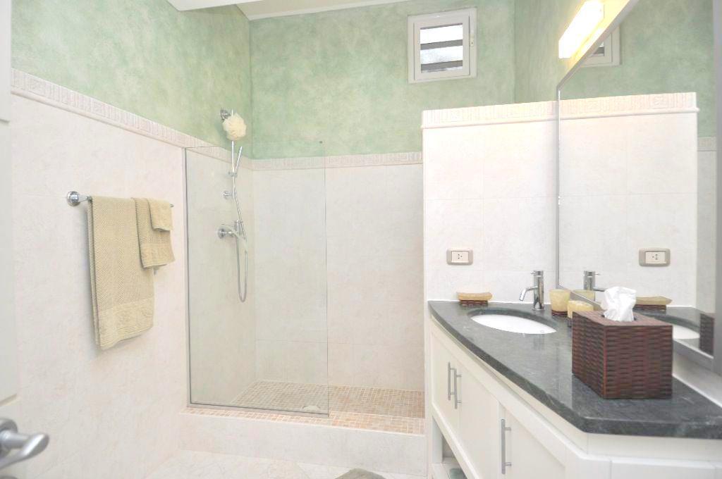 Luxury homes Marineview