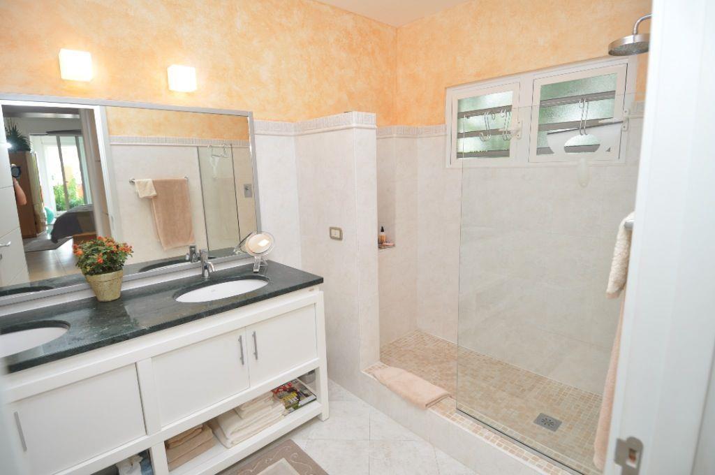 Luxury properties Marineview