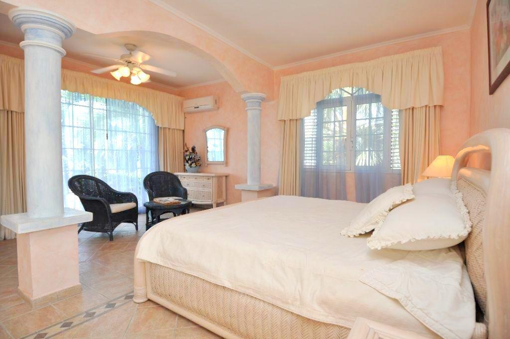 Villa Les Cascades luxury properties