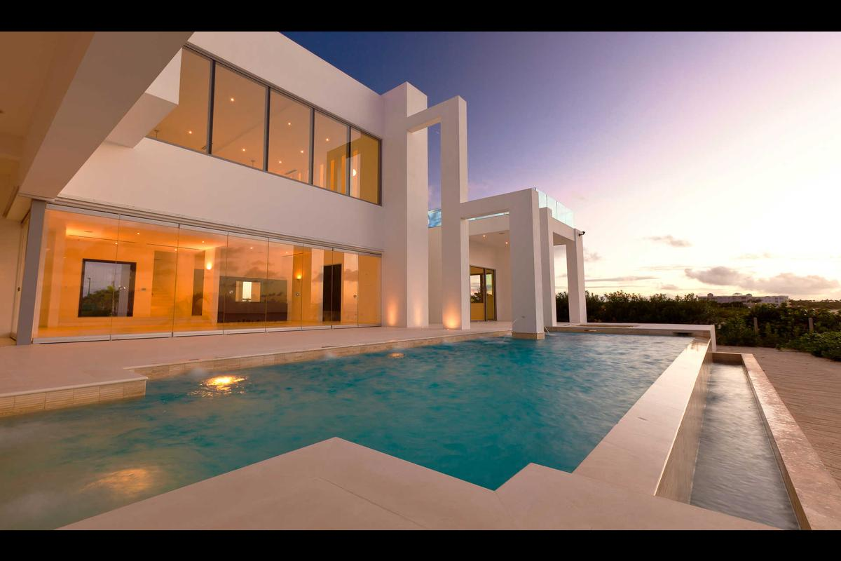 Luxury homes Signature Villas