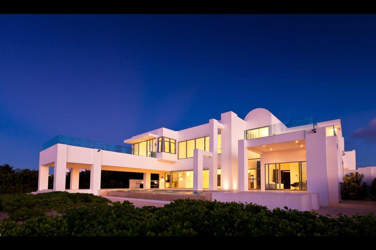 Signature Villas luxury real estate