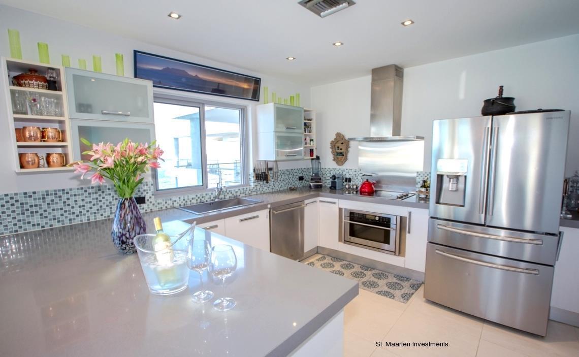 Las Arenas Penthouse luxury homes