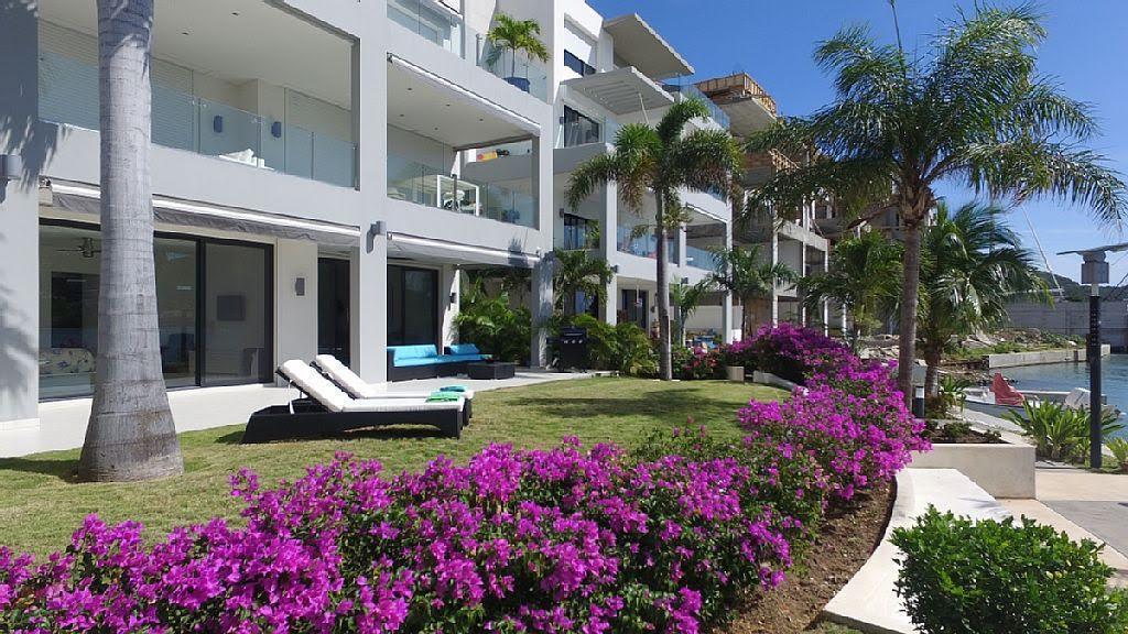 Luxury homes Las Brisas