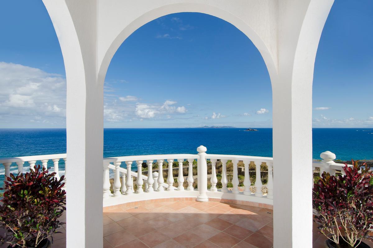 Luxury homes in Villa Rosa