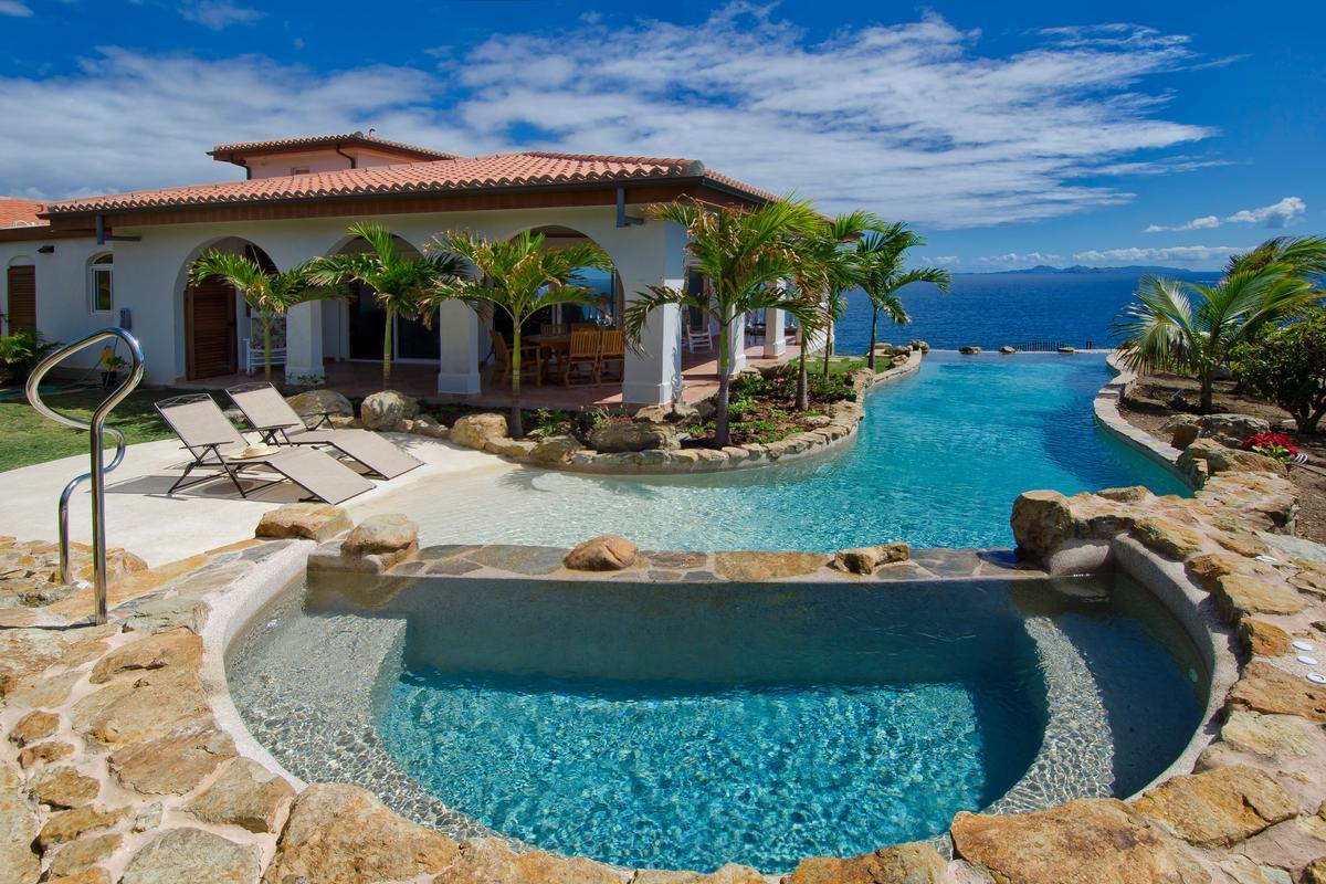 Luxury homes Villa Rosa