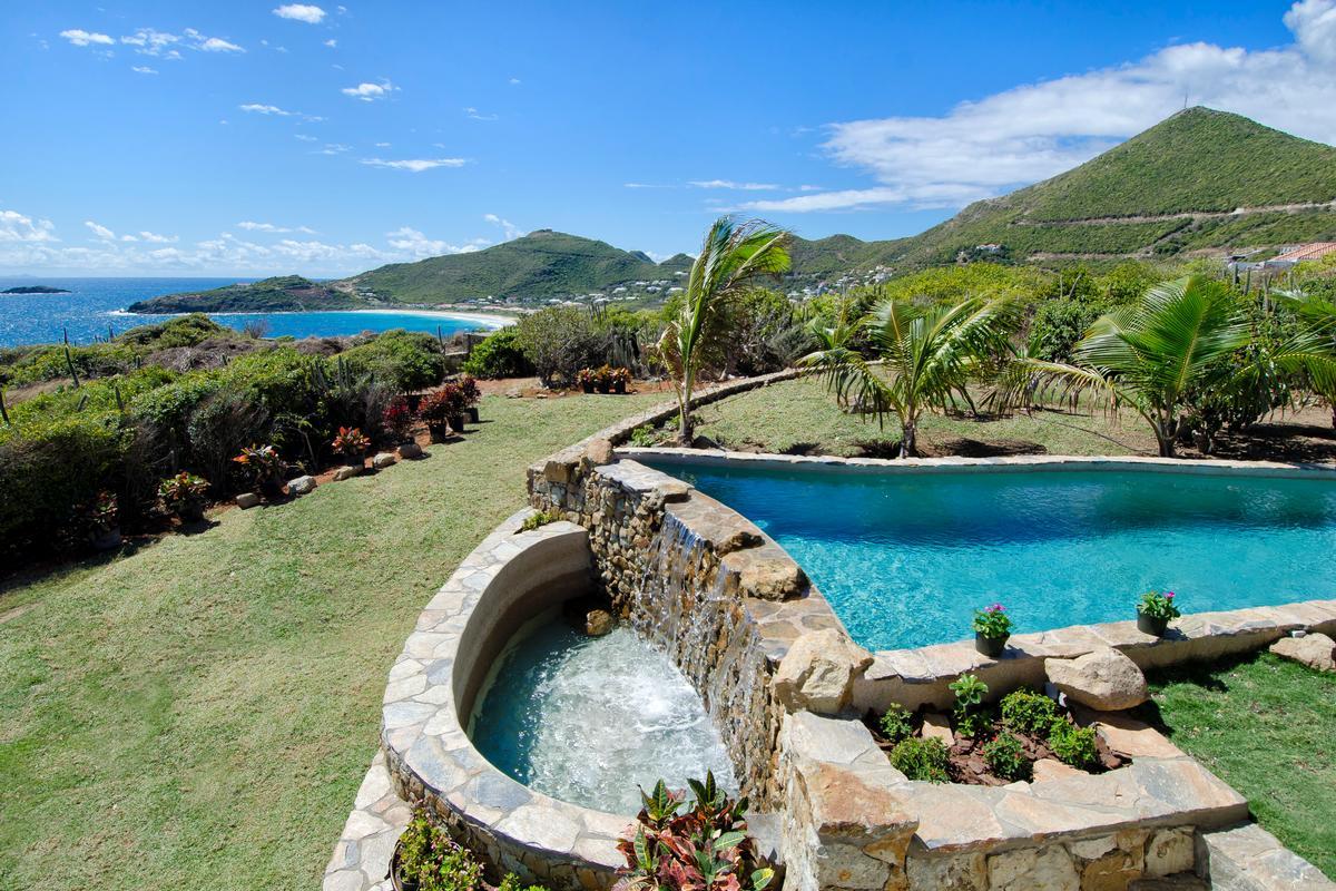 Villa Rosa luxury homes