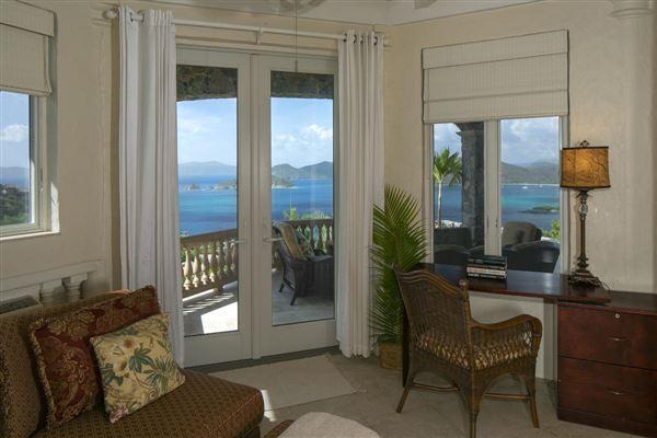 Mansions in Villa Lantano - best buy in peter bay