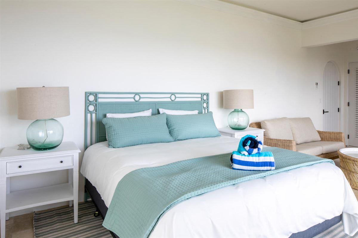 Luxury homes magnificent luxury pool villa