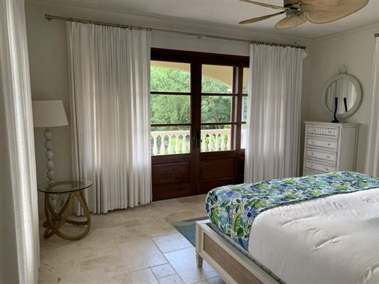 Villa Insatiable luxury homes