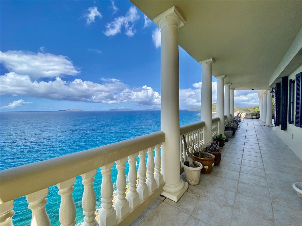 Luxury homes Casa Sul Mare - eight bedroom waterfront residence