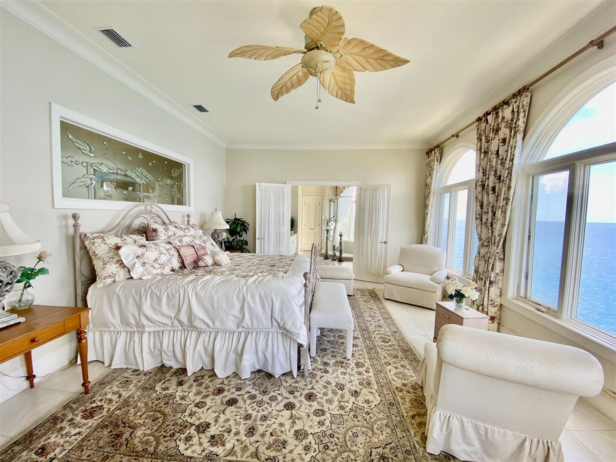 Casa Sul Mare - eight bedroom waterfront residence luxury properties