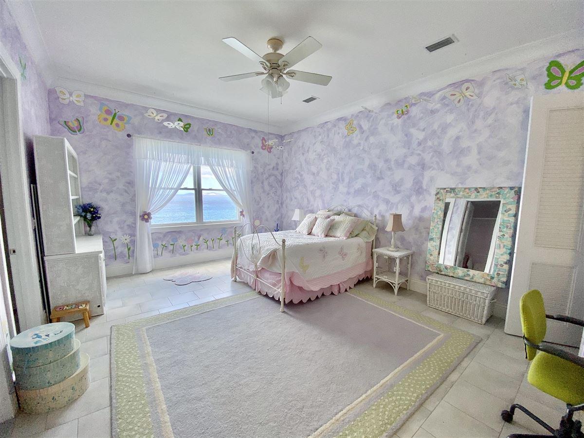 Luxury properties Casa Sul Mare - eight bedroom waterfront residence