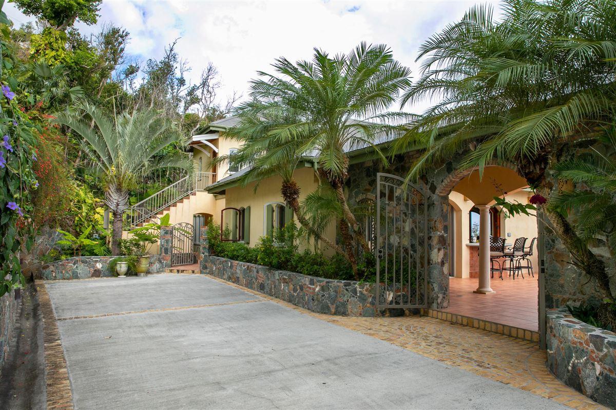 Villa Peace and Plenty in st john luxury properties