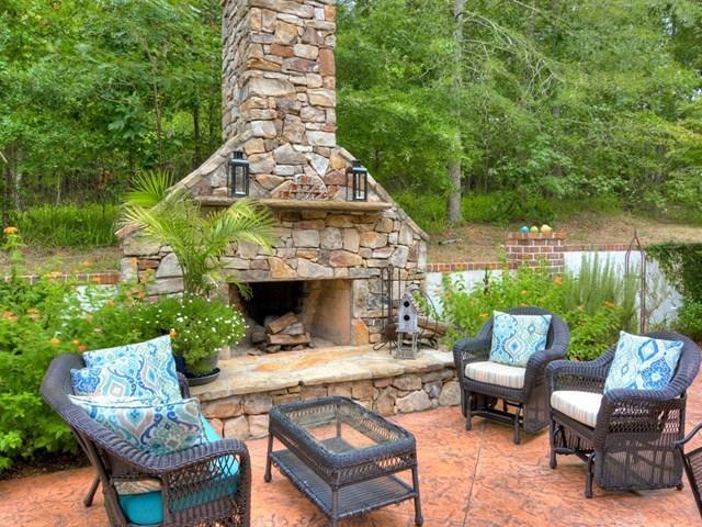Luxury properties Exquisite River Island Home
