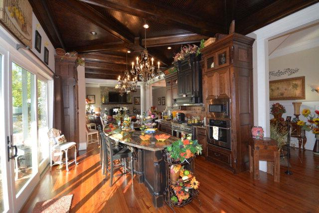 Antebellum Charmer on Savannah River luxury real estate