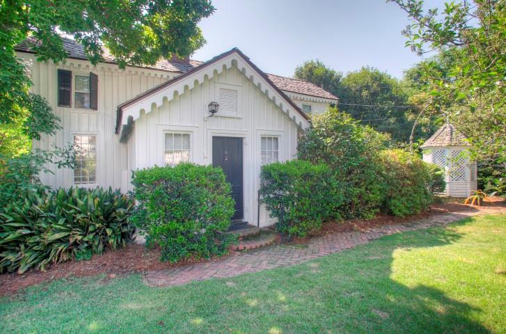 Historic Sand Hills Cottage mansions